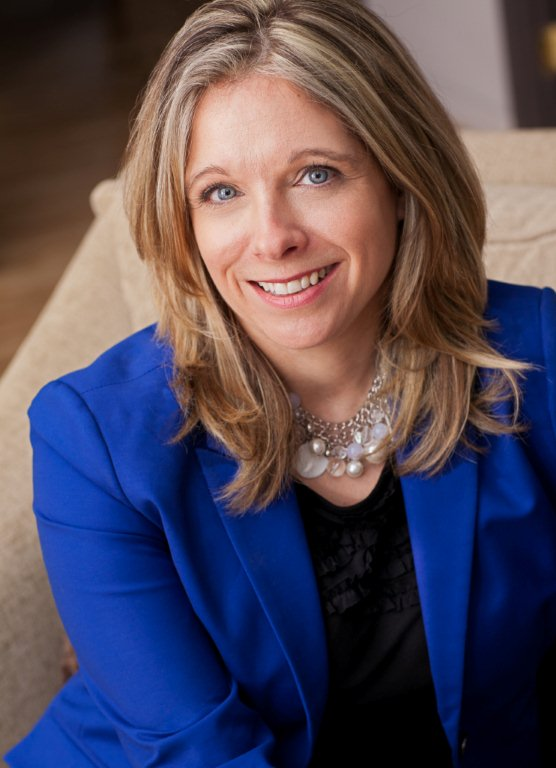 Manon Desrosiers, Directrice générale et conseillère spéciale